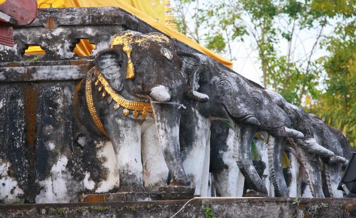 วัดพระธาตุช้างค้ำวรวิหาร ที่สะท้อนให้เห็นถึงอิทธิพลศิลปะสุโขทัย