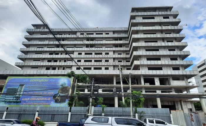 สามารถร่วมบุญ ได้โดยตรงที่ บัญชีธนาคารไทยพาณิชย์ ชื่อบัญชีวัดป่าห้วยกุ่ม เพื่อสร้างตึก ๑๐ ชั้น รพ.เลย เลขที่บัญชี 648 264 7416